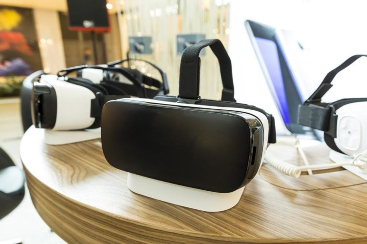 Affordable Virtual Reality Goggles